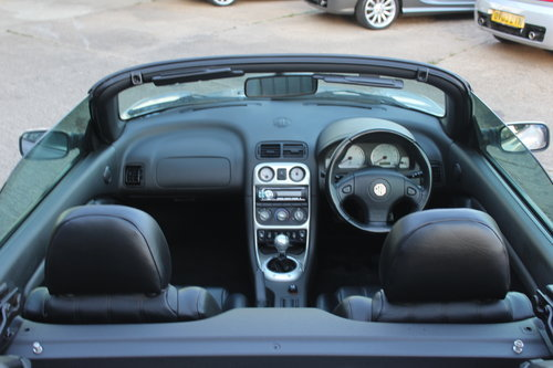 2002 MG TF 160, BLACK LEATHER, ALLOYS, NEW CAMBELT For Sale (picture 5 of 6)