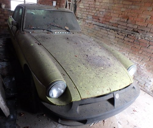 1975 MGB GT V8 3528cc Coupe Restoration Project SOLD (picture 2 of 5)