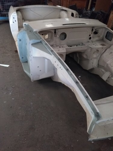 1972 Mgb chrome bumper heritage body shell with donor SOLD (picture 1 of 5)