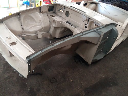 1972 Mgb chrome bumper heritage body shell with donor SOLD (picture 4 of 5)
