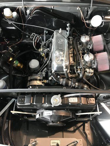 1972 MGB GT full rebuild For Sale (picture 3 of 6)