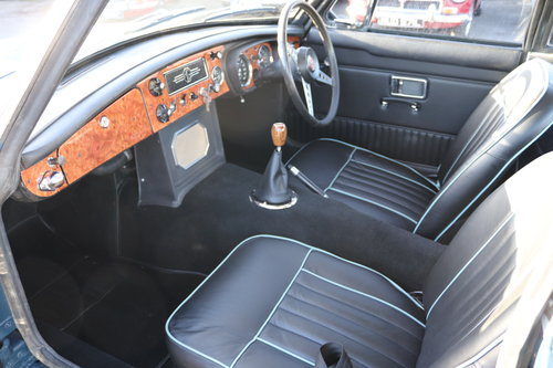 1970 MGB GT in Trafalgar blue SOLD (picture 3 of 4)