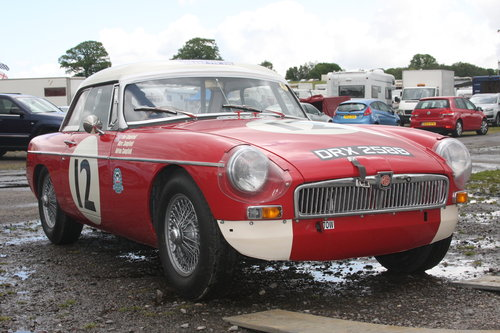 1964 FIA MGB Race Car For Sale (picture 1 of 5)