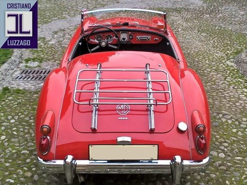 BEAUTIFUL 1960 MGA 1600 DISC BRAKES For Sale (picture 2 of 6)