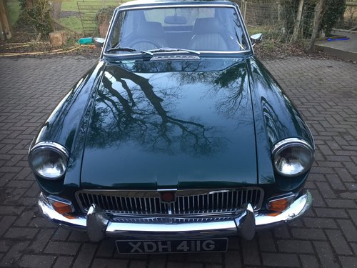 1968 Good looking MGB just serviced SOLD (picture 2 of 6)