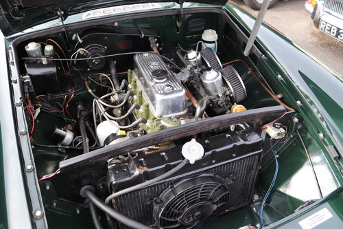 1972 MGB HERITAGE SHELL in BRG For Sale (picture 4 of 5)