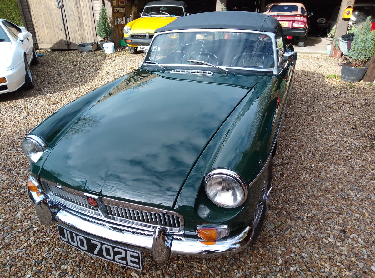 MGB ROADSTER 1967  For Sale (picture 2 of 6)