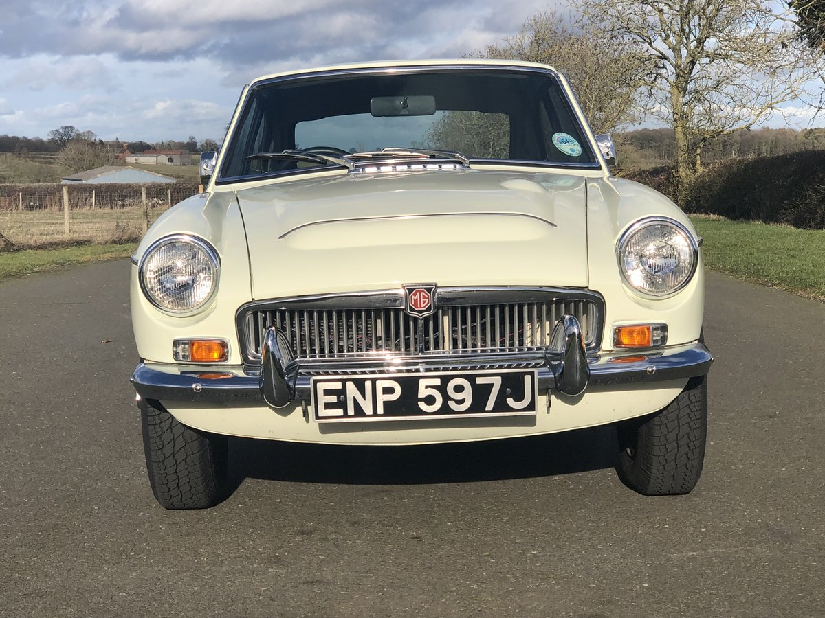1970 MGC GT SOLD (picture 2 of 6)