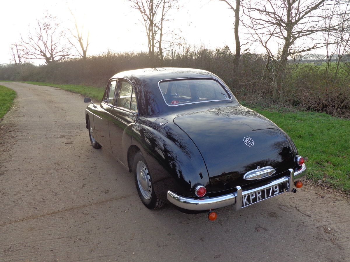1957 A FULLY REBUILT, LOW MILEAGE, MG MAGNETTE ZB! For Sale (picture 2 of 6)