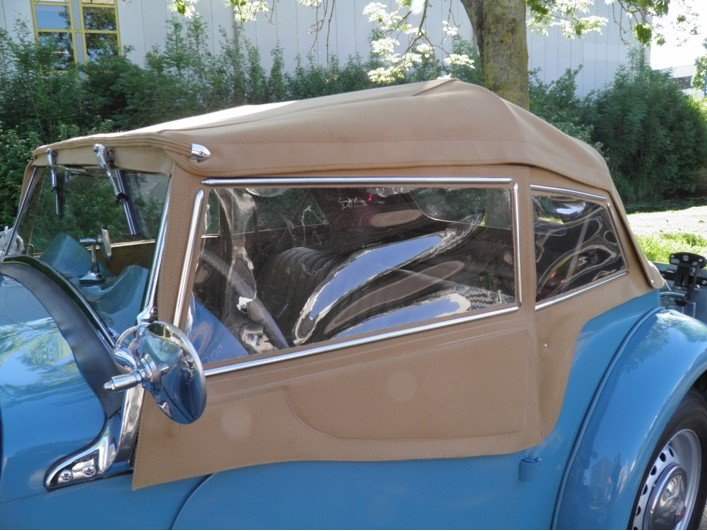 MG TD 1951 Clipper bleu color very rare.    Euro  27950 SOLD (picture 2 of 6)