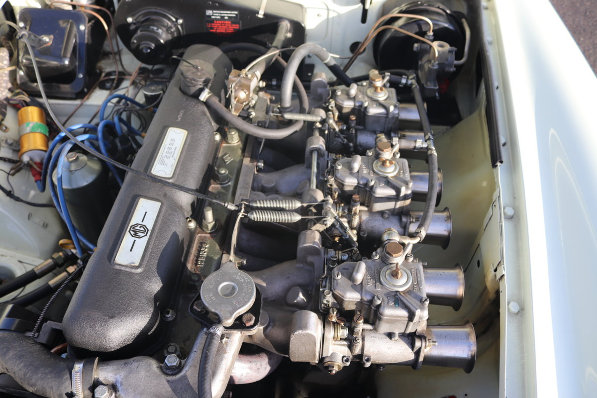 1969 MGC Roadster, 5 speed, triple webers, 200bhp For Sale (picture 5 of 6)