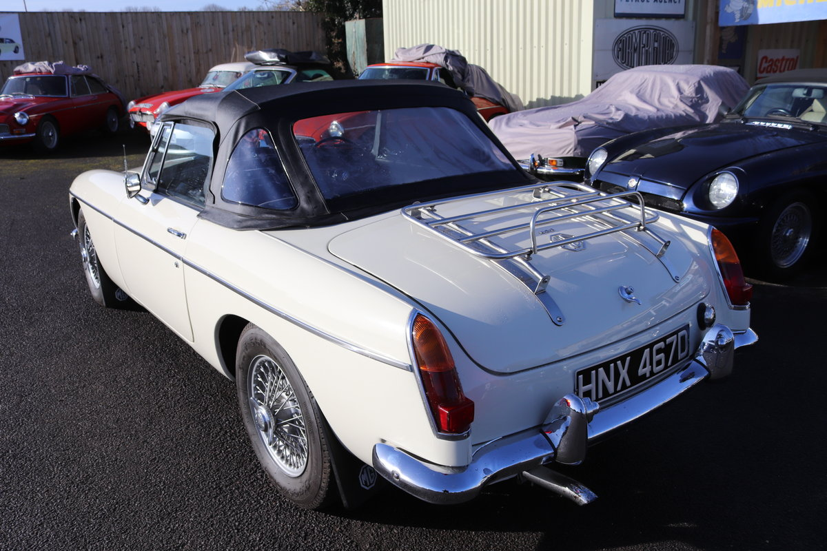 1966 MGB Roadster, mk1, old english white SOLD (picture 2 of 6)