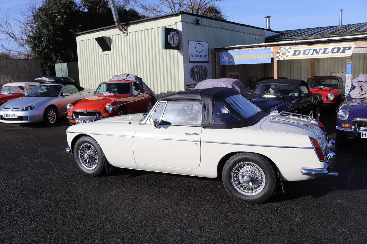 1966 MGB Roadster, mk1, old english white SOLD (picture 6 of 6)