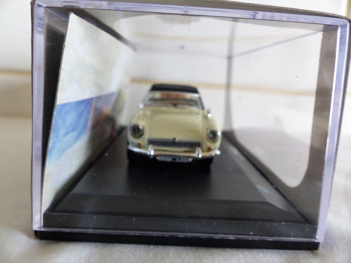 MGB ROADSTER-LHD US MARKET VERSION-1:43 SCALE. For Sale (picture 5 of 6)