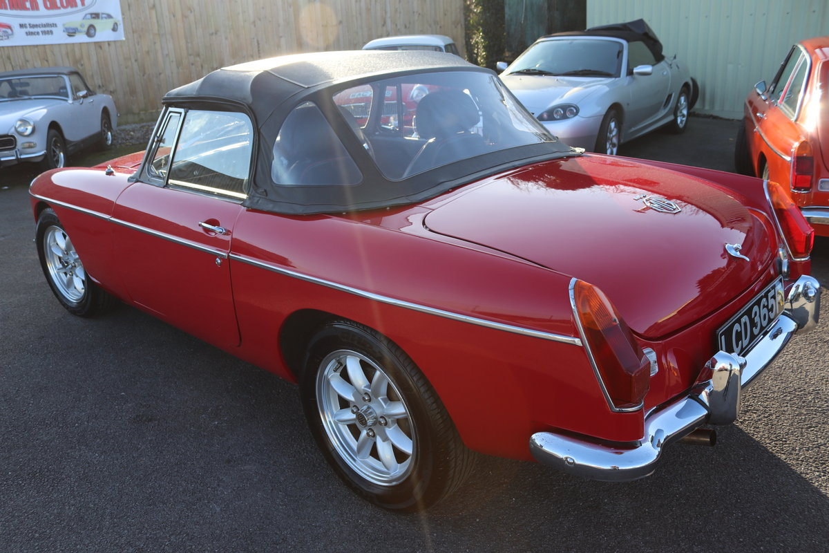 1968 MGB HERITAGE SHELL, Tartan red. SOLD (picture 3 of 6)