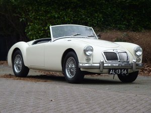 1962 Beautiful restored MGA 1600 MKII in fine restored condition For Sale