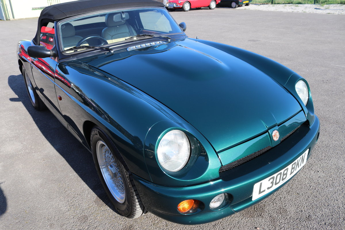 1993 MG RV8 ,UK Car, 30,000 miles,Power steering, Immaculate SOLD (picture 6 of 6)