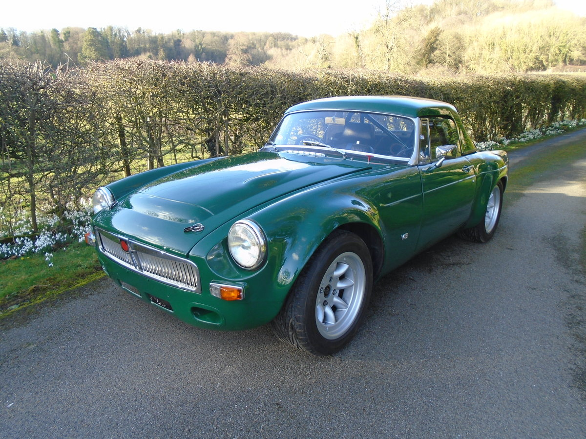 1968 MGB V8 Sebring Style Race Car SOLD (picture 2 of 10)