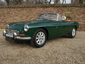 1971 MG B Roadster leather upholstery For Sale