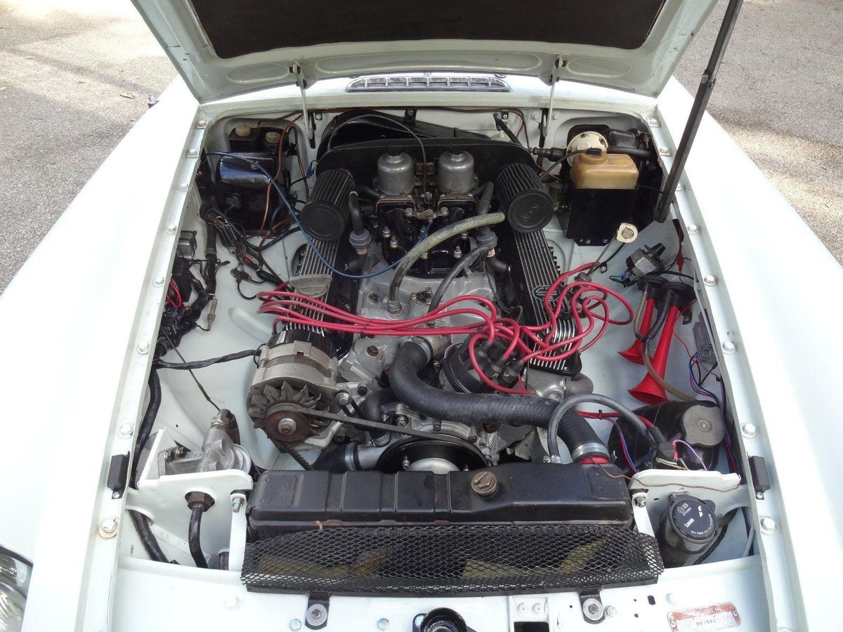 Deposit Taken. 1974 MGB GT V8 - Chrome Bumper V8 SOLD (picture 5 of 6)