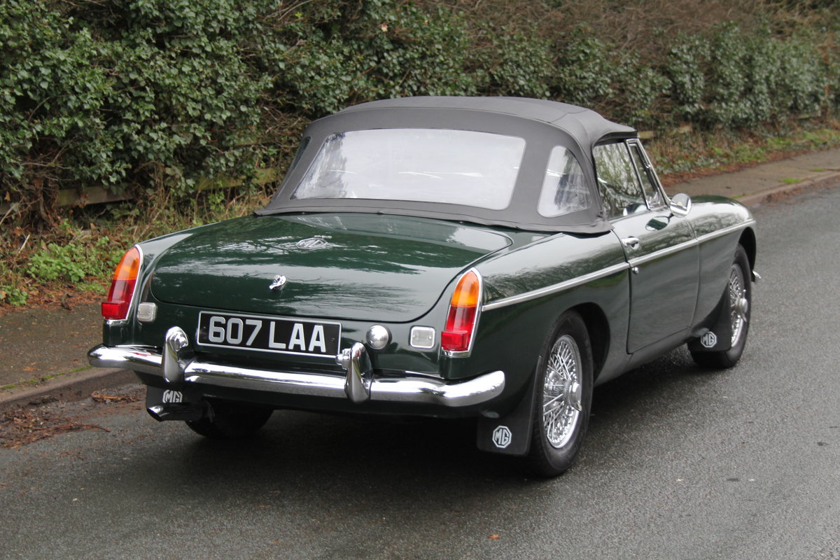 1964 MGB Roadster, Pull Handle, Overdrive, CWW SOLD (picture 5 of 12)