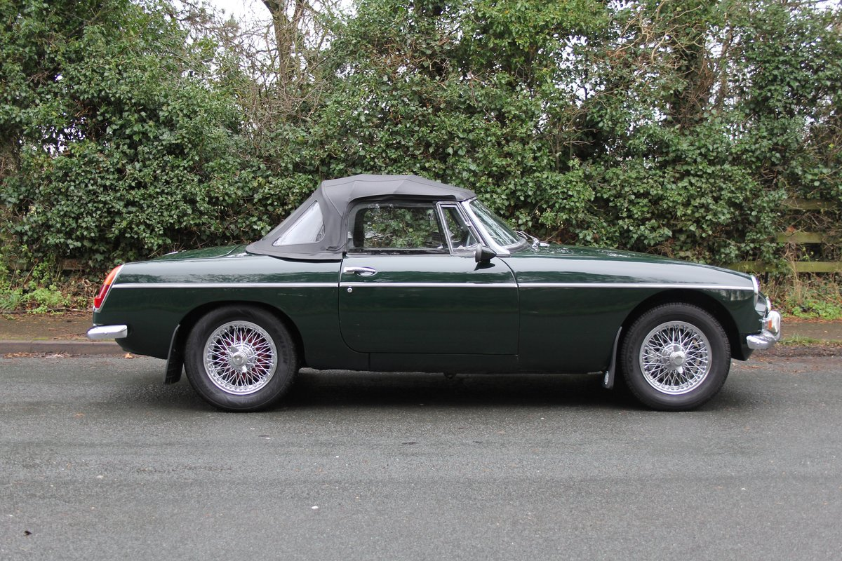 1964 MGB Roadster, Pull Handle, Overdrive, CWW SOLD (picture 6 of 12)