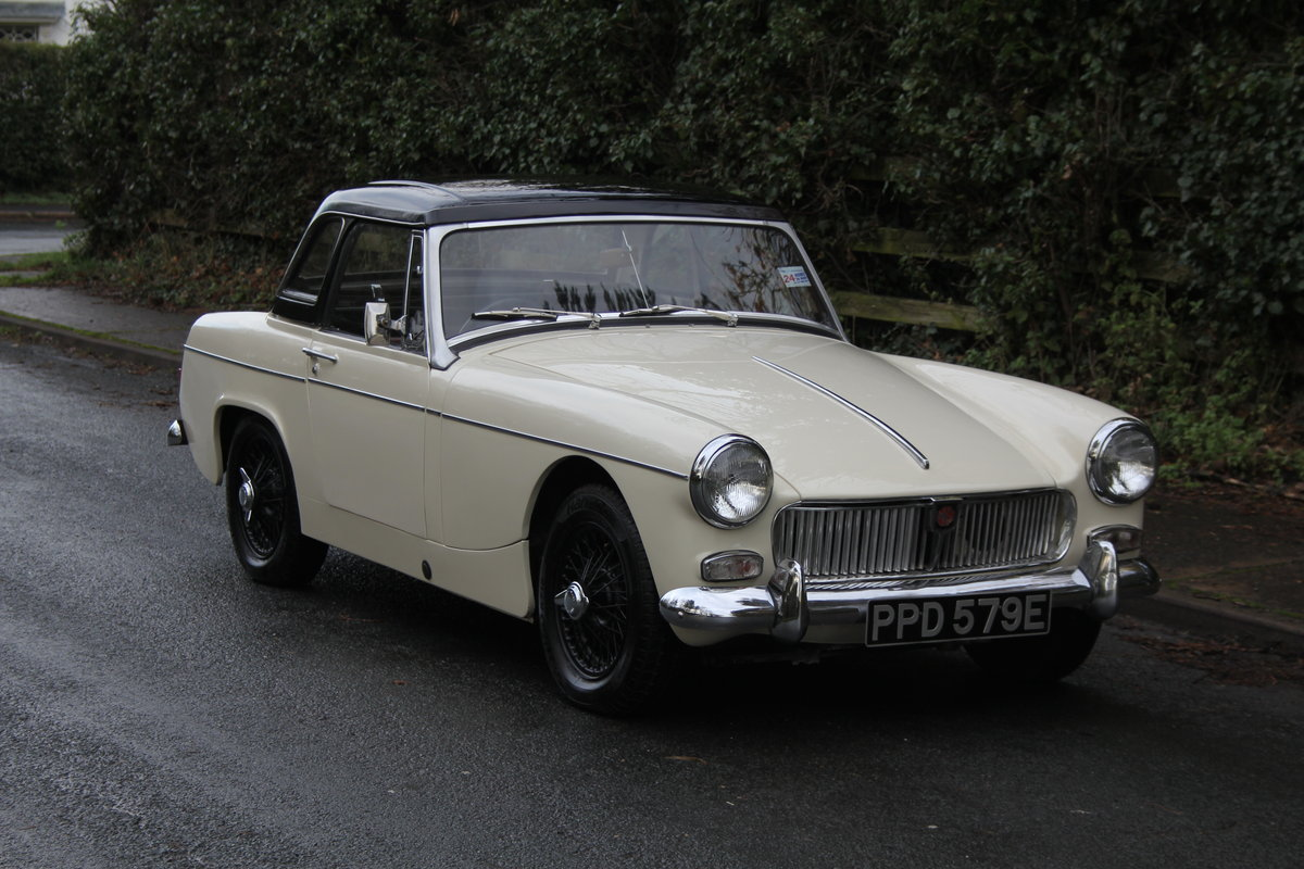1967 MG Midget, hard top, wires, recent re-trim and re-paint For Sale (picture 1 of 12)