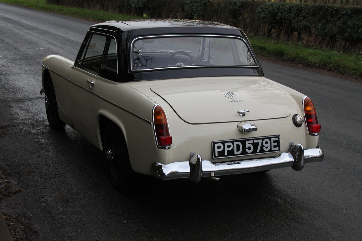 1967 MG Midget, hard top, wires, recent re-trim and re-paint For Sale (picture 4 of 12)