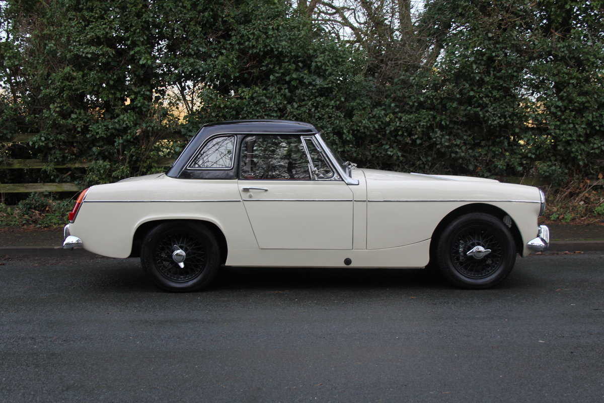 1967 MG Midget, hard top, wires, recent re-trim and re-paint For Sale (picture 7 of 12)