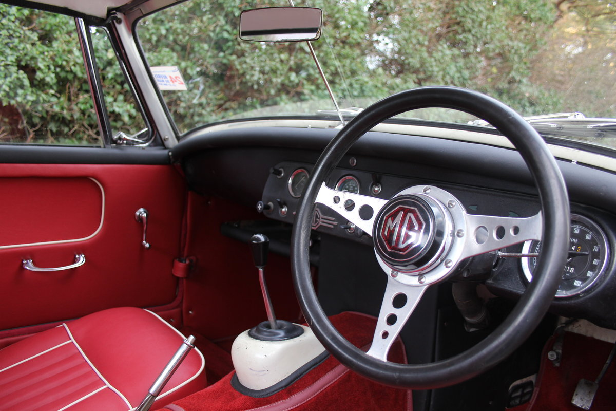 1967 MG Midget, hard top, wires, recent re-trim and re-paint For Sale (picture 8 of 12)