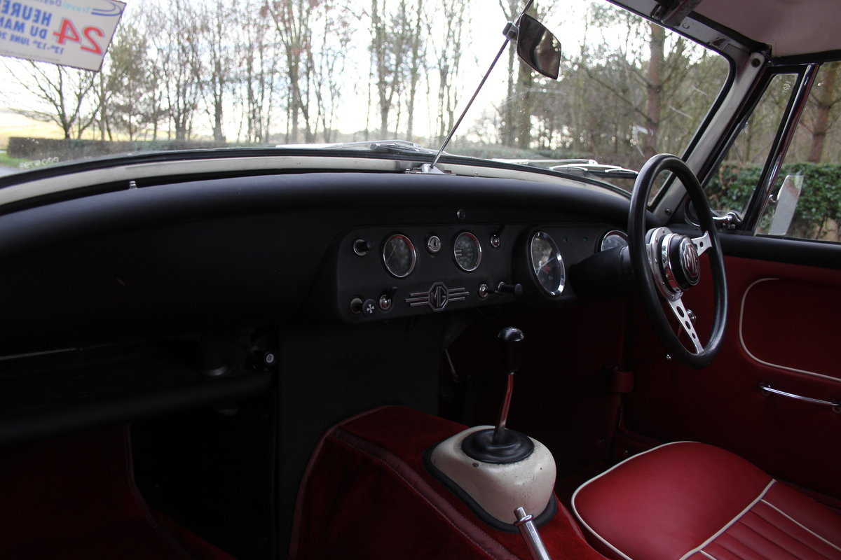 1967 MG Midget, hard top, wires, recent re-trim and re-paint For Sale (picture 9 of 12)