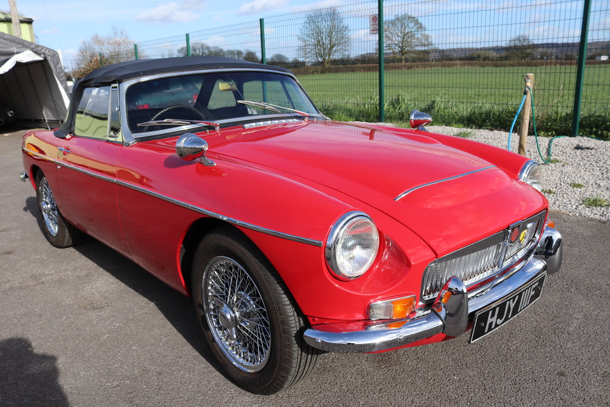 1968 MGC Roadster, UK car in tartan red For Sale (picture 1 of 6)