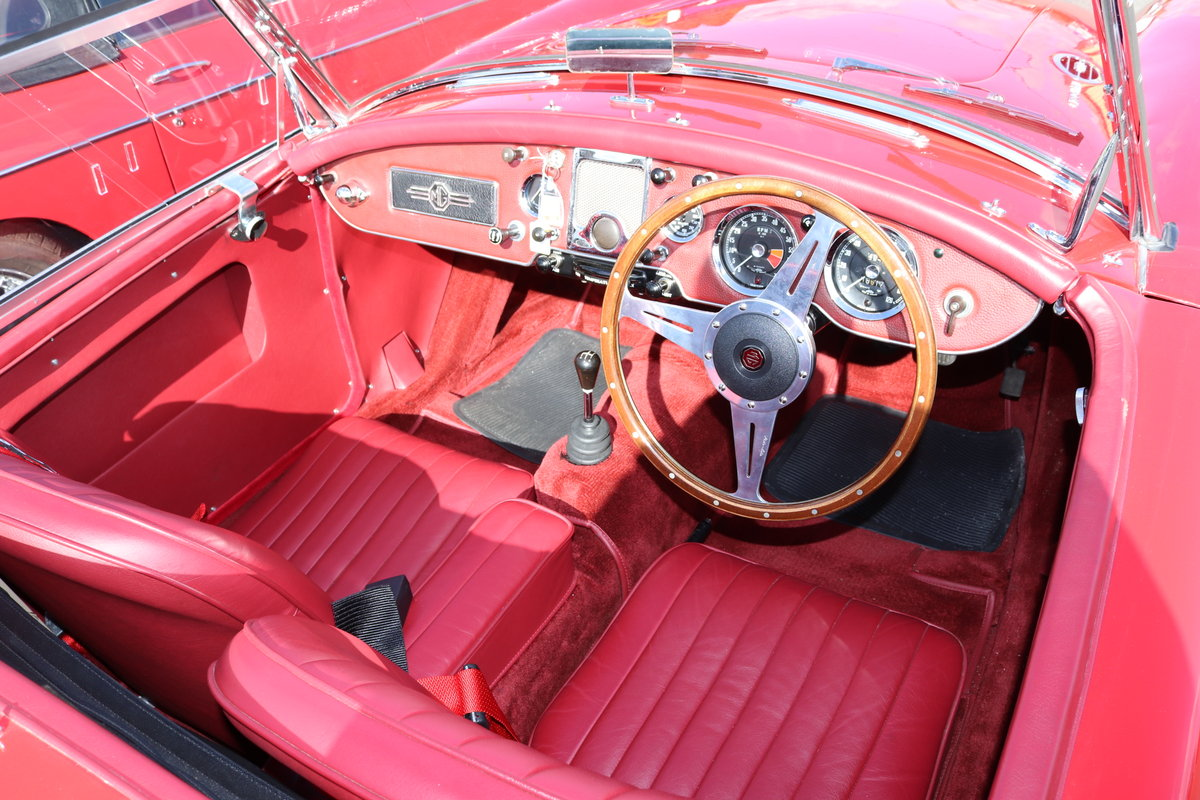 1961 MGA 1600 Mk2 Roadster, Rare UK Car , Fully restored For Sale (picture 3 of 5)