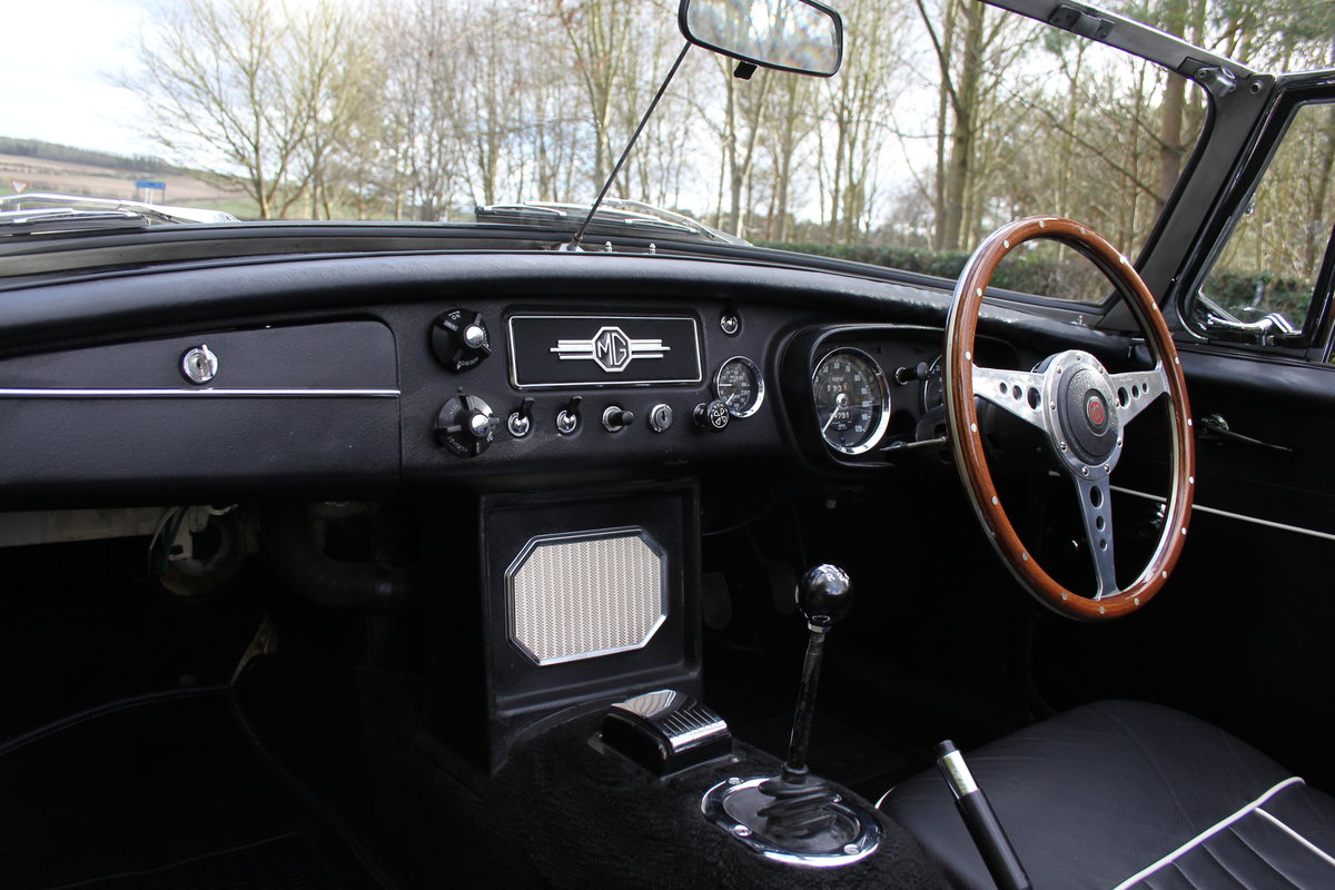 1964 MGB Roadster Pull Handle, Matching No's & Colours, O/D SOLD (picture 8 of 12)