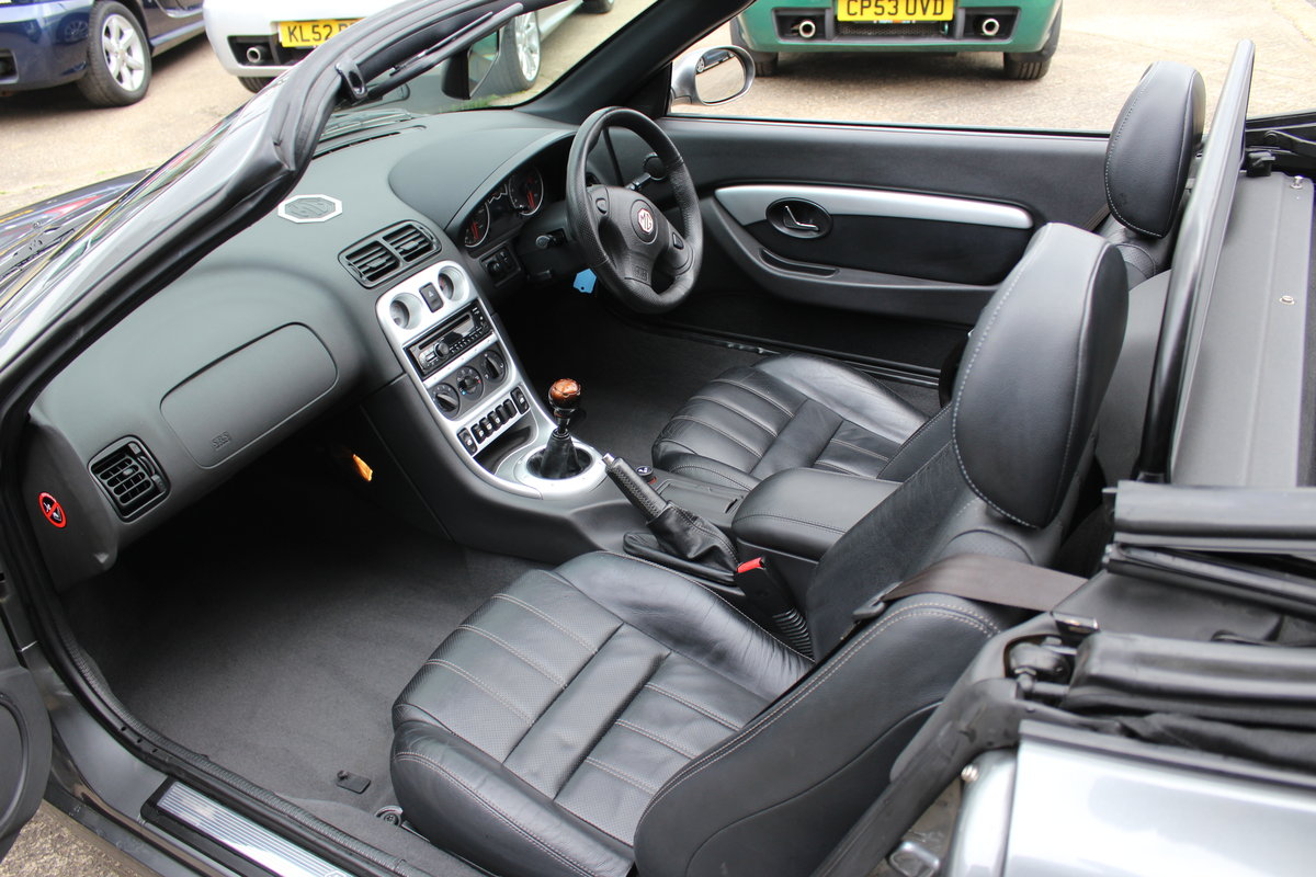 MG TF LE 2011 ONLY 11,900 MLS,MOT-CAMBELT-SERVICE 1YR RAC  SOLD (picture 5 of 6)