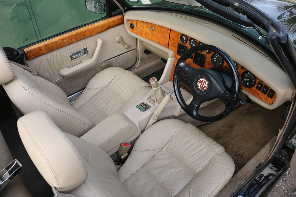 1995 MG RV8,Just 19k miles,extensive history. For Sale (picture 4 of 6)