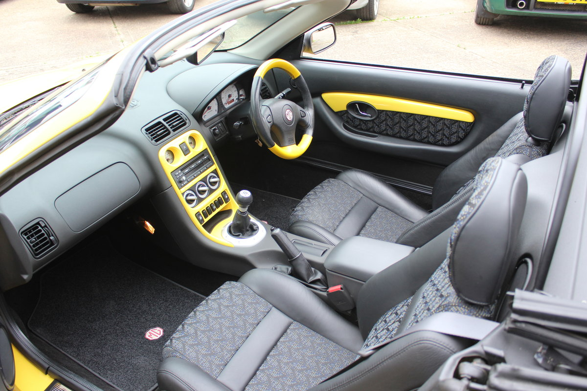 2001 MGF TROPHY 160, ONLY 6000 MILES FROM NEW!! SOLD (picture 4 of 6)