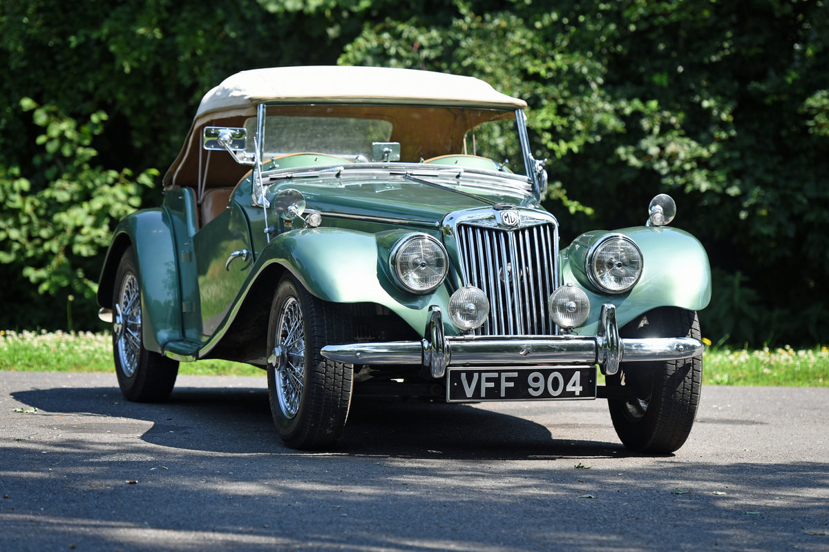 1954 Vintage MG TF Roadster For Sale (picture 1 of 6)