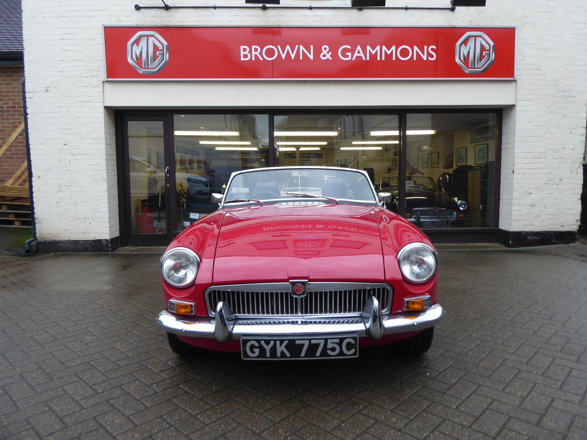 MGB ROADSTER, 1965, RED For Sale (picture 2 of 6)