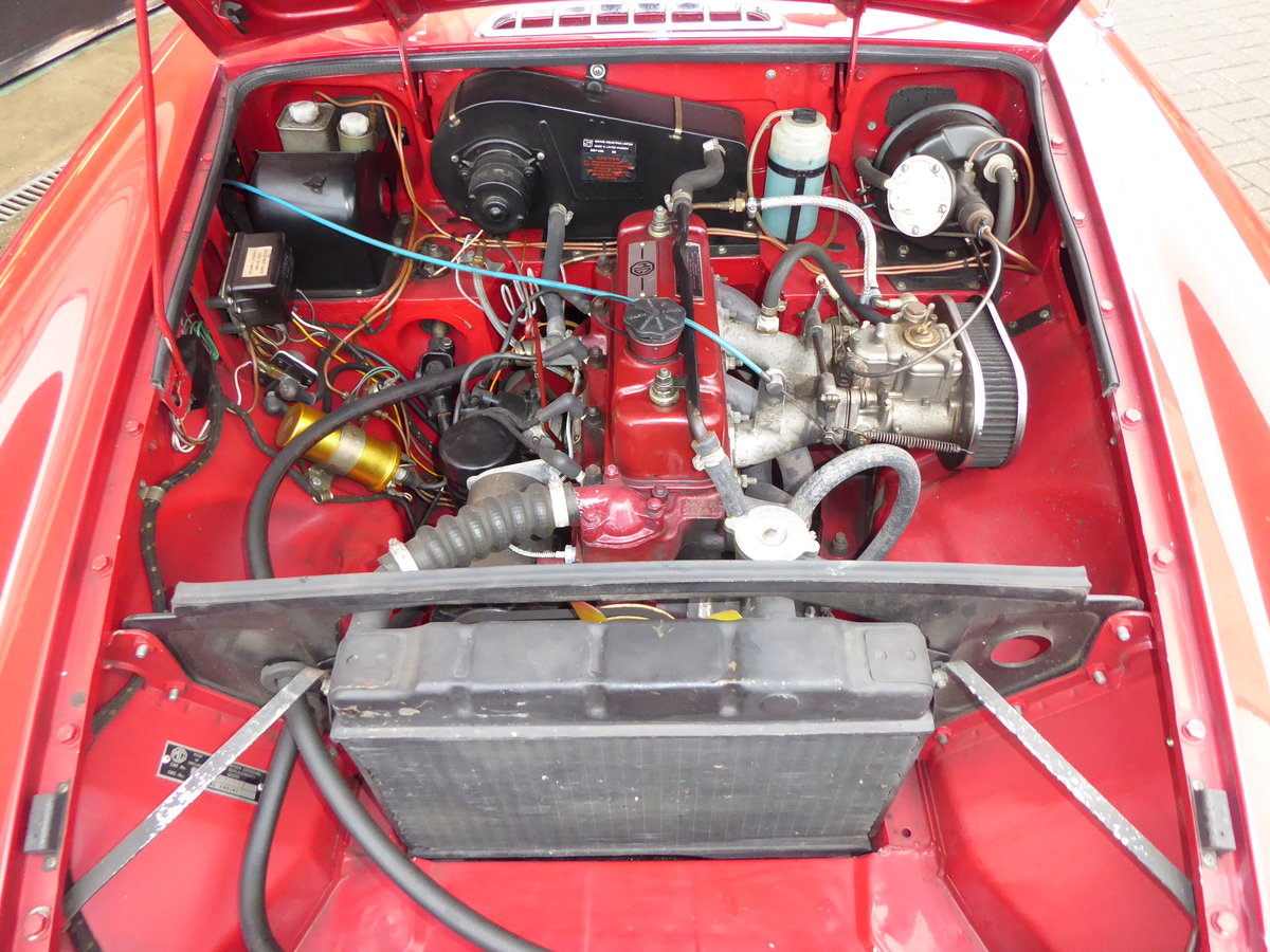 MGB ROADSTER, 1965, RED For Sale (picture 4 of 6)