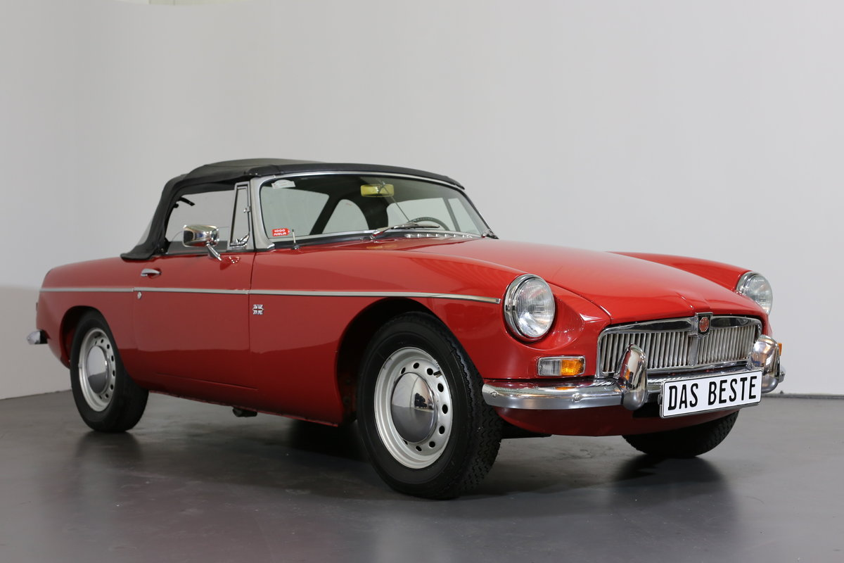 1967  MK1 LHD MG B Roadster - pull handle model- with a secret! SOLD (picture 5 of 6)