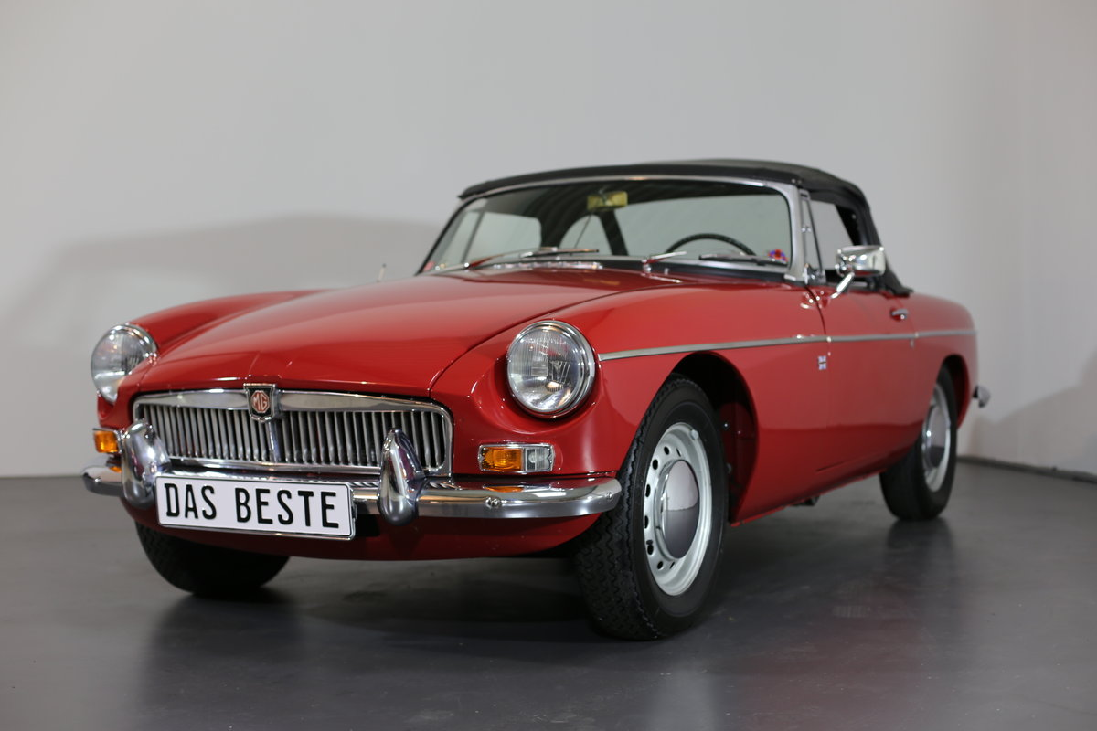1967  MK1 LHD MG B Roadster - pull handle model- with a secret! SOLD (picture 6 of 6)