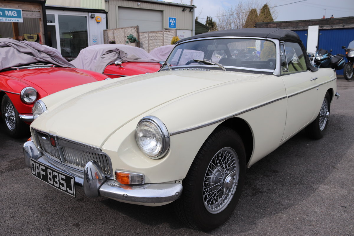1970 MGB Roadster, late mk2, old english white SOLD (picture 1 of 6)