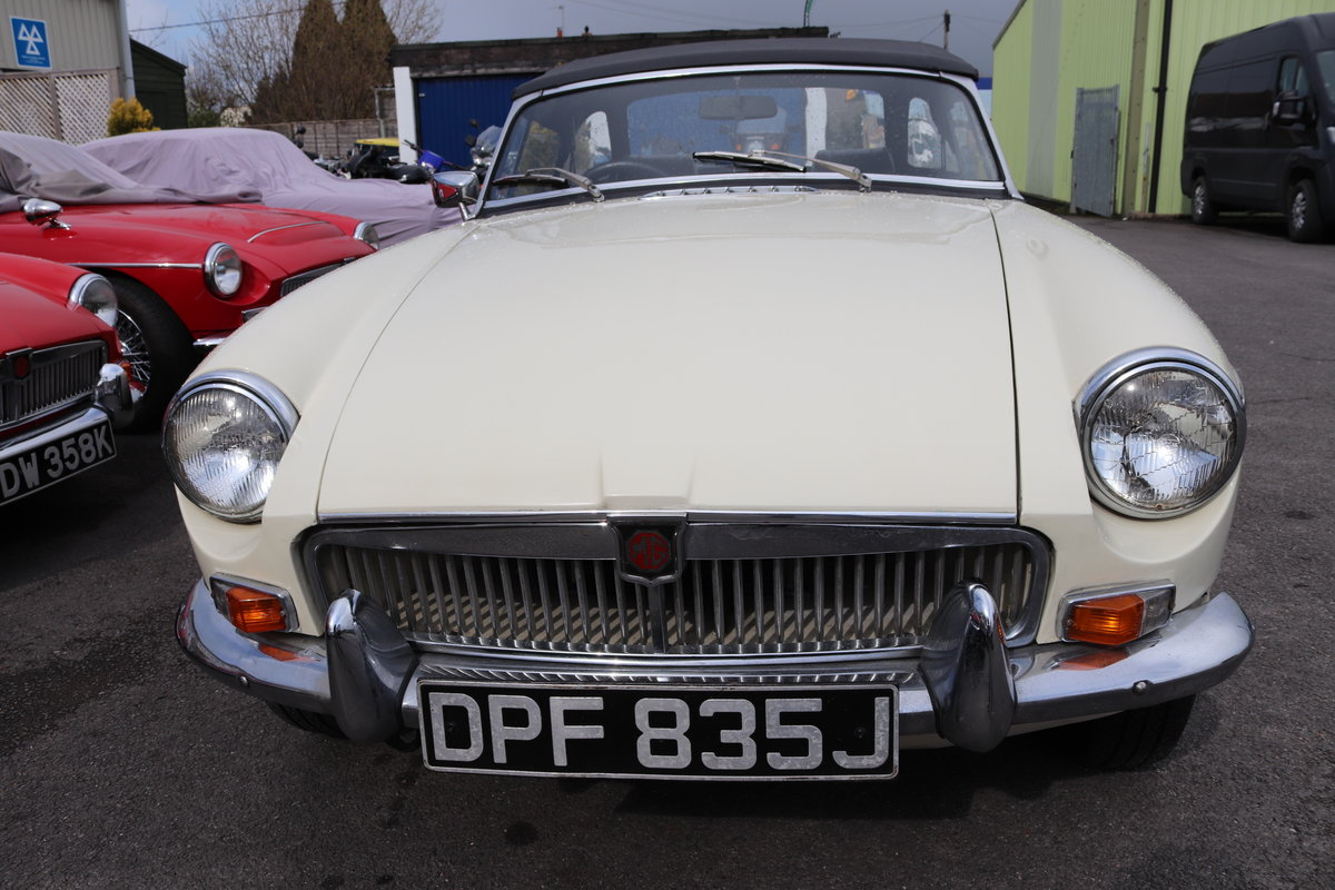 1970 MGB Roadster, late mk2, old english white SOLD (picture 2 of 6)
