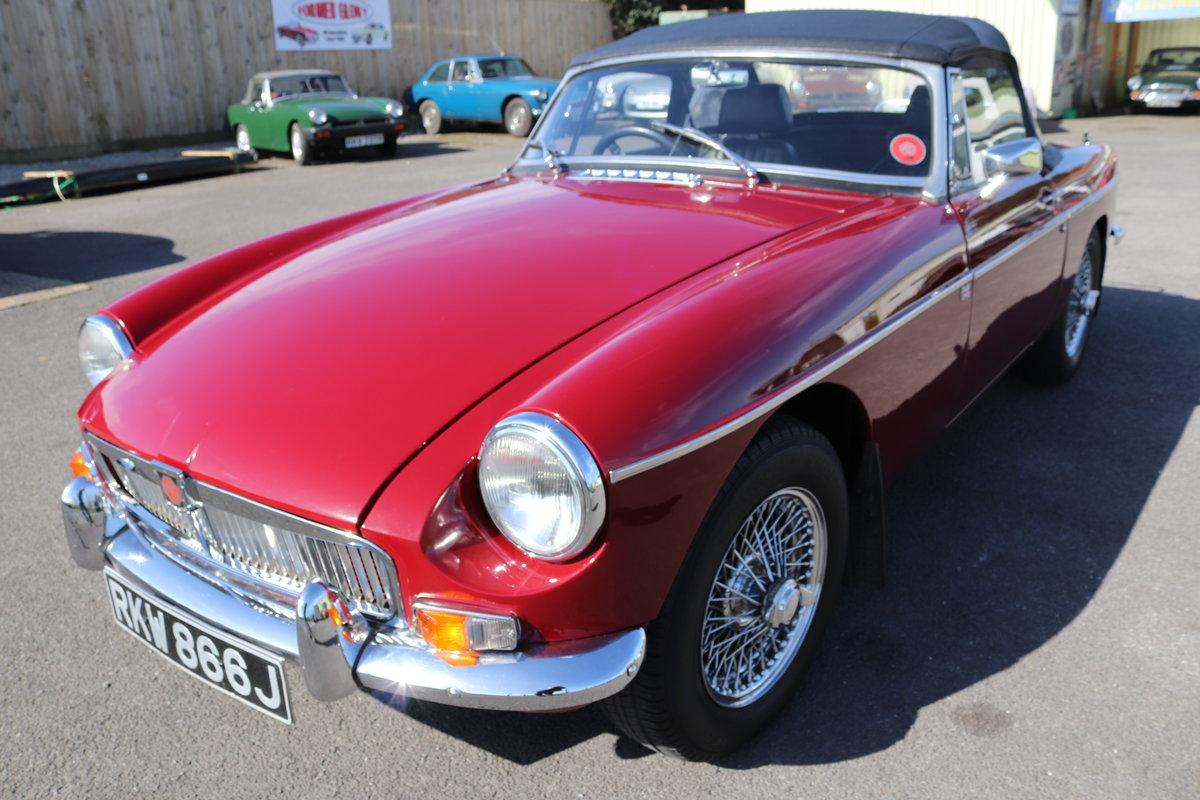 1970 11 Chrome bumpered MGB Roadsters in stock. For Sale (picture 1 of 6)