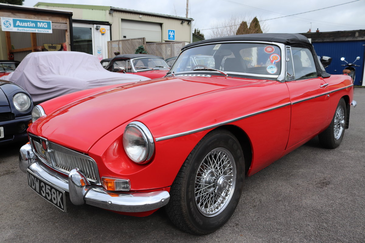 1970 11 Chrome bumpered MGB Roadsters in stock. For Sale (picture 3 of 6)