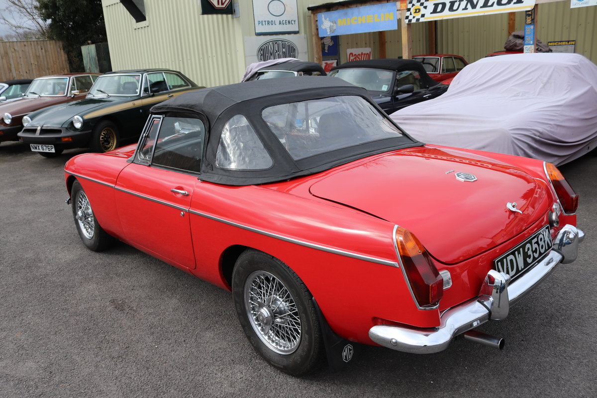 1970 MGB Roadster, bare shell rebuild,detailed engine bay For Sale (picture 2 of 5)