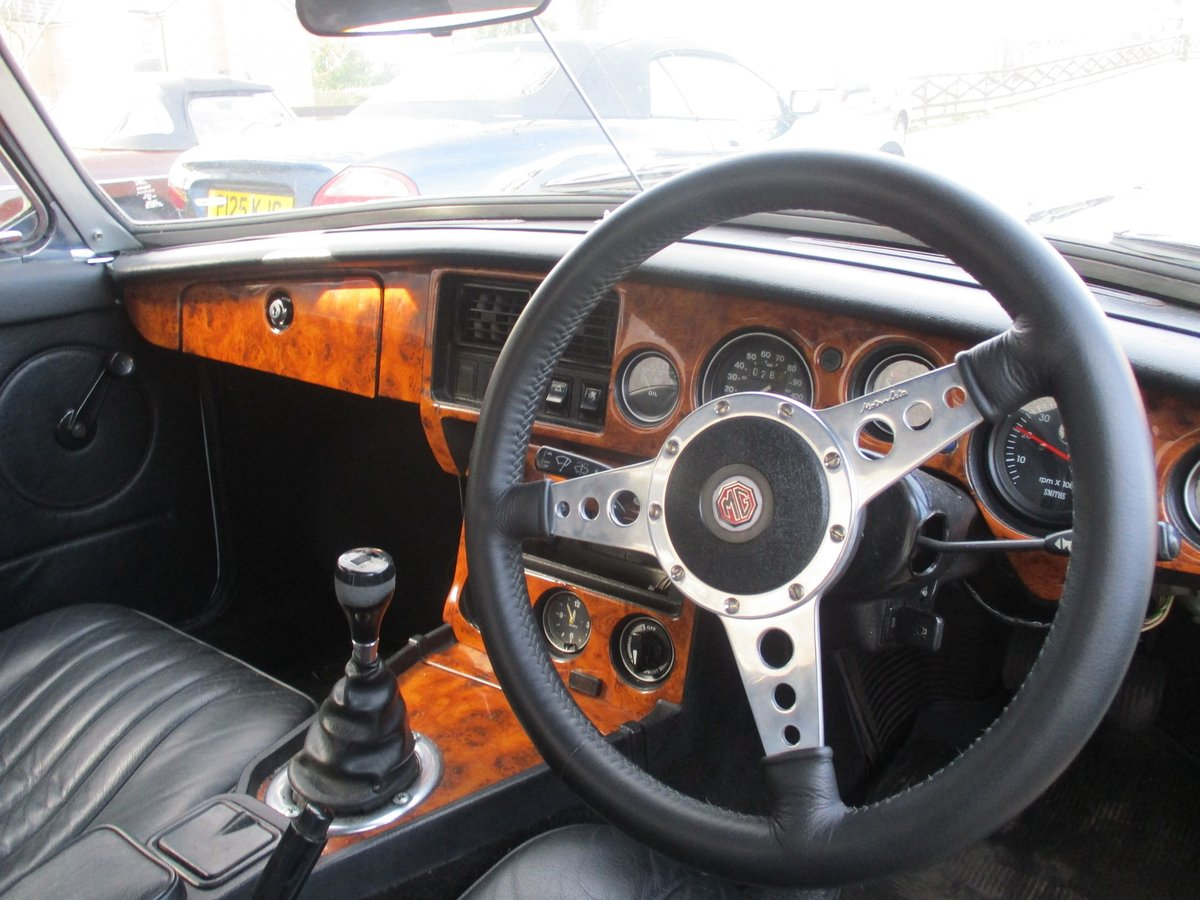 1977 MG B V8 CONVERSION ROADSTER For Sale (picture 3 of 5)