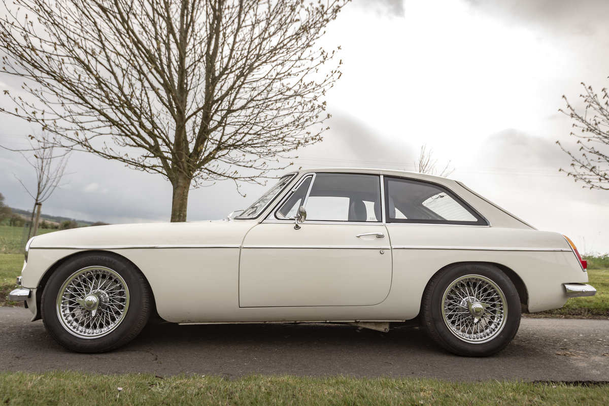 1966 FRONTLINE MGB LE50 - Stunning & Rare - on The Market SOLD by Auction (picture 2 of 6)