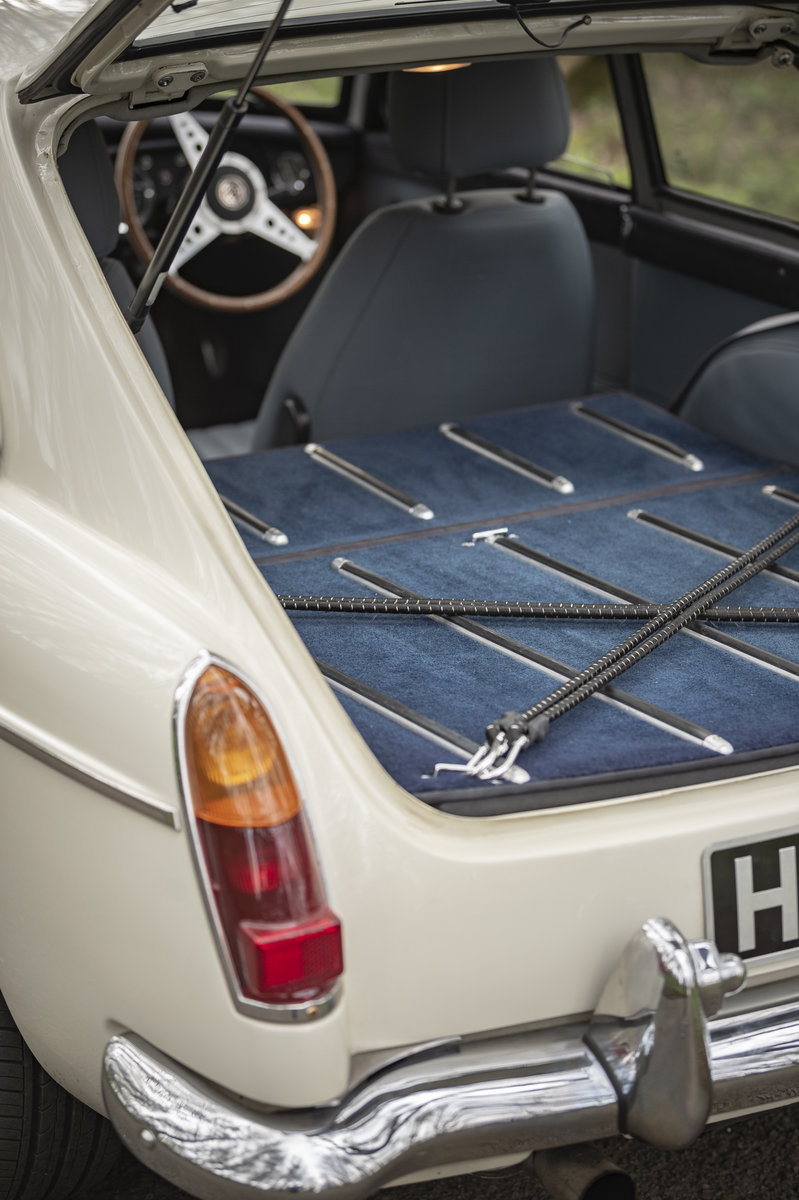 1966 FRONTLINE MGB LE50 - Stunning & Rare - on The Market SOLD by Auction (picture 6 of 6)